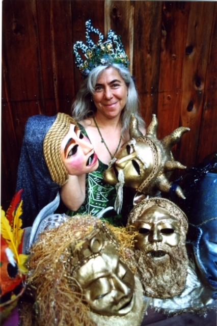 Leslie &Masks#2002